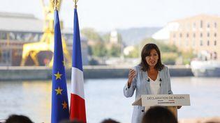 La maire de Paris, lors de l'annonce de sa candidature à la présidentielle 2022, le 12 septembre 2021 à Rouen (Seine-Maritime). (THOMAS SAMSON / AFP)