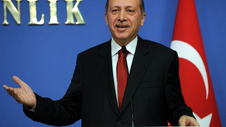 Le Premier ministre turc, Recep Tayyip Erdogan, lors d'une conférence de presse à Ankara (Turquie), le 22 décembre 2011. (EVRIM AYDIN / ANADOLU AGENCY / EPA / MAXPPP)