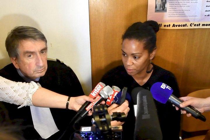 Sabrina, qui a survécu à Jacques Rançon, lors d'une conférence de presse le 15 mars 2018 au tribunal de Perpignan (Pyrénées-Orientales). (MAXPPP)