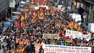 Des manifestants défilent contre la loi Travail, le 9 mars 2016 à Marseille (Bouches-du-Rhône). (JEAN-FRANÇOIS GIL / CITIZENSIDE / AFP)