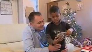 Noël : une famille en cadeau (FRANCE 2)