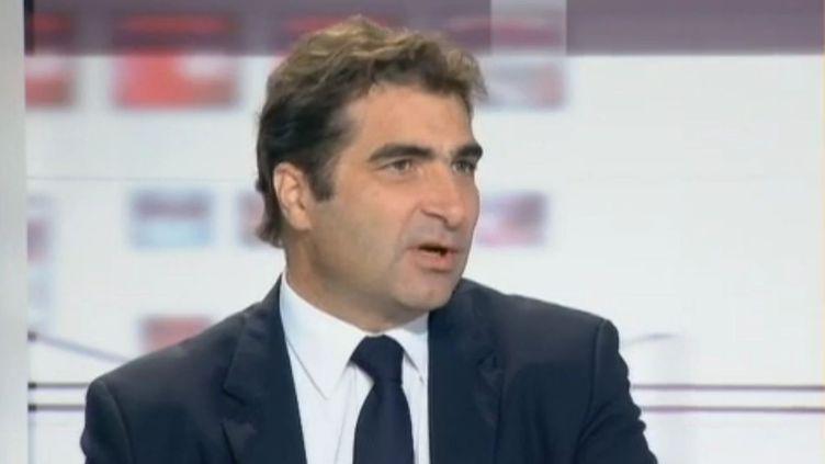 Le député UMP Christian Jacob sur le plateau de l'émission Les 4 vérités le 12 décembre 2011. (FRANCE 2)