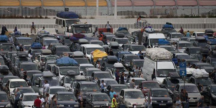Eté 216, des milliers de passagers, des Marocains vivant en Europe notamment, font la queue pour franchir le détroit de Gibraltar en ferry vers le Maroc. ( JORGE GUERRERO / AFP)