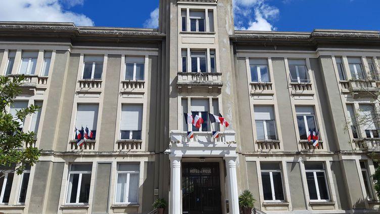 L'hôtel de ville de Privas en Ardèche. (NATHALIE RODRIGUES / RADIO FRANCE)