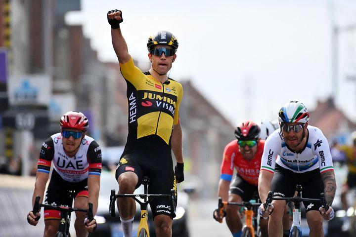 Wout van Aert lors de sa victoire sur Gand-Wevelgem le 28 mars 2021. (DAVID STOCKMAN / BELGA MAG)