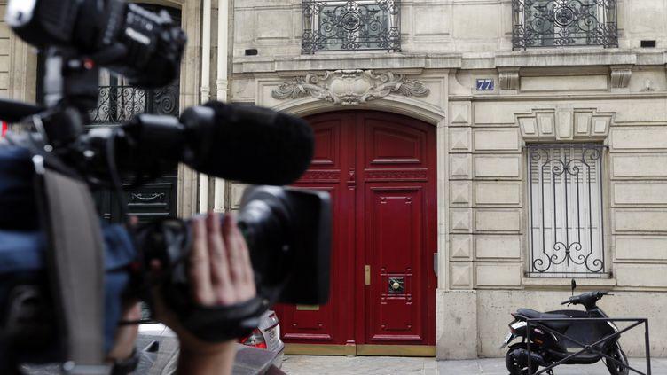 L'entrée des nouveaux bureaux de la rue de Miromesnil à Paris, dont Nicolas Sarkozy bénéficie en tant qu'ancien président de la République, le 3 juillet 2012. (KENZO TRIBOUILLARD / AFP)