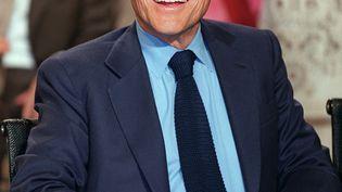 """Jean d'Ormesson le 29 juin 2001 lors de la dernière émission de Bernard Pivot sur France 2 """"Bouillon de culture"""". (PIERRE-FRANCK COLOMBIER / AFP)"""