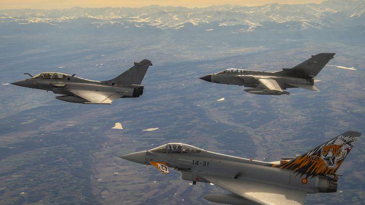 Un Rafale français, un Tornado italien et un Eurofighter espagnol participant à l'exercice Volfa, au dessus de Mont de Marsan, le 20 novembre 2019. (SGC CÉDRIC GUERDIN / ARMÉE DE L'AIR)