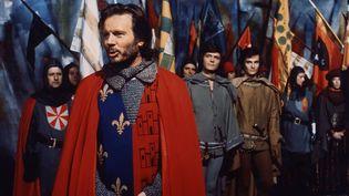 """Jean Piat dans """"Les Rois maudits"""" en 1972. (ORTF)"""