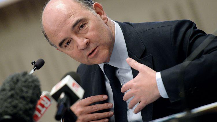 Pierre Moscovici, le ministre de l'Economie, lors d'un déplacement à Strasbourg (Bas-Rhin), le 4 avril 2013. (PATRICK HERTZOG / AFP)