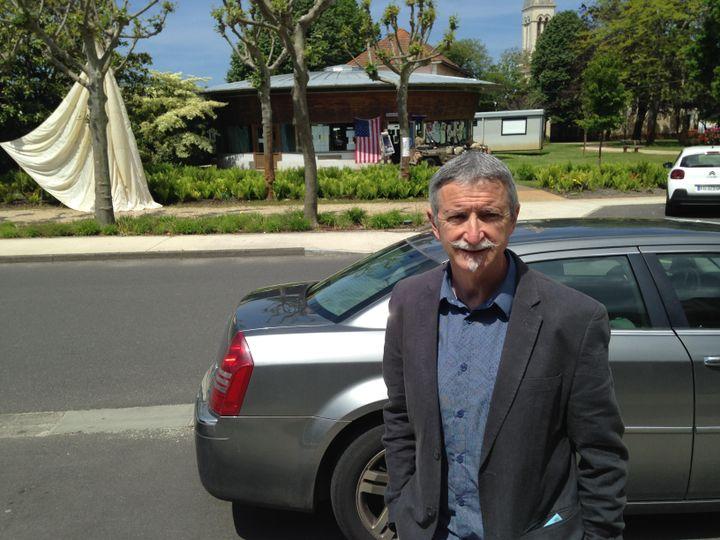 François, 59 ans, a voté blanc pour la première fois de sa vie lors du second tour de la présidentielle, dimanche 7 mai, à Mimizan (Landes). (MARGAUX DUGUET / FRANCEINFO)