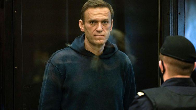Alexeï Navalny lors de son procès, le 2 février 2021, à Moscou (Russie). (HANDOUT / MOSCOW CITY COURT PRESS SERVICE / AFP)