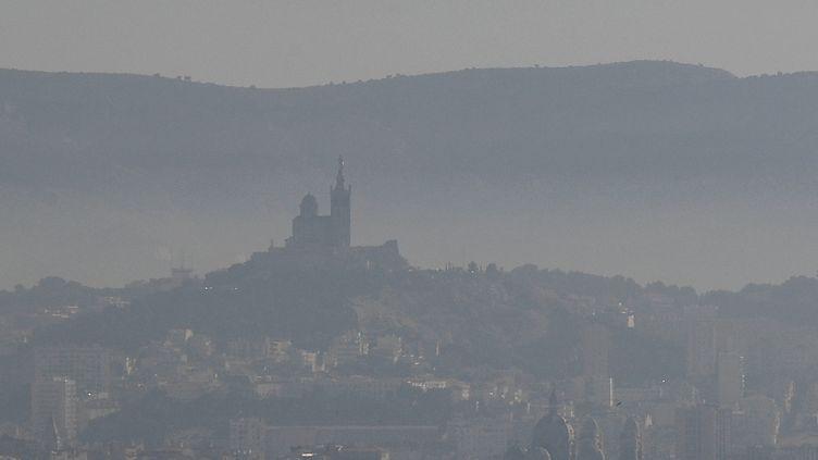 Vue sur la ville de Marseille (Bouches-du-Rhône), le 15 février 2019. (BORIS HORVAT / AFP)
