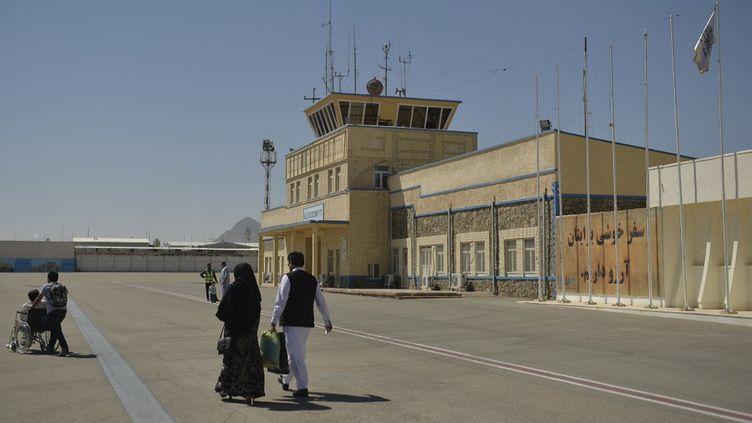 Le tarmac de l'aéroport de Kaboul, le 22 septembre 2021. (HOSHANG HASHIMI / AFP)