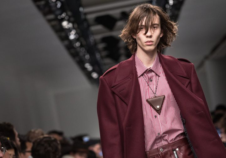 John Lawrence Sullivan ah 2017-18 à la London Fashion week, janvier 2017  (HAYOUNG JEON/EPA/MaxPPP)