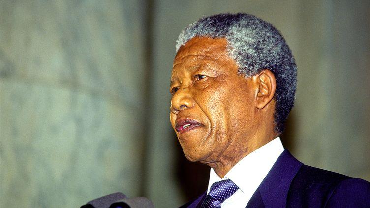 Nelson Mandela le 25 juin 1990 au Sénat américain à Washington. (SIPA )