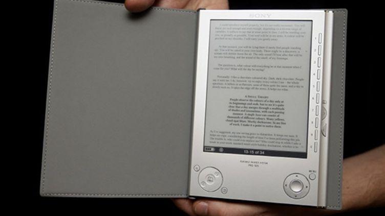 """L'""""e-book"""" (livre électronique) de Sony (© AFP/Shaun Curry)"""