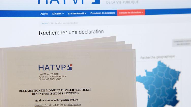 Une déclaration de patrimoine délivrée par la HATVP, à Paris, le 24 juillet 2014. (BERTRAND GUAY / AFP)