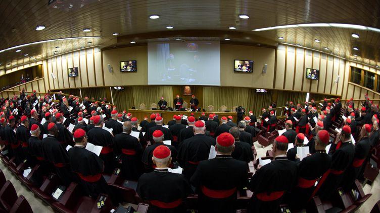 Les cardinaux se sont retrouvés lundi 4 mars 2013, au Vatican. (OSSERVATORE ROMANO / AFP)