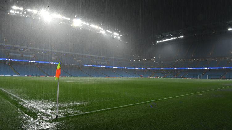 L'Ethiad Stadium de Manchester sous les eaux (PAUL ELLIS / AFP)