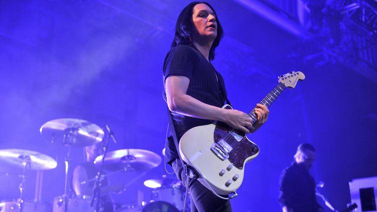 Brian Molko, le chanteur du groupe Placebo, en concert à Europavox, le 24 mai 2015. (BOILEAU FRANCK / MAXPPP)