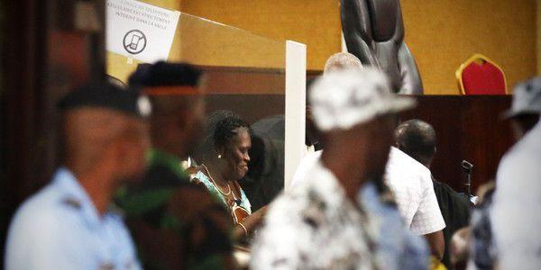 Simone Ggagbo, l'ex-première dame ivoirienne, à son procès le 23 février 2015 à Abidjan (Côte d'Ivoire). (Reuters/Thierry Gouegnon)