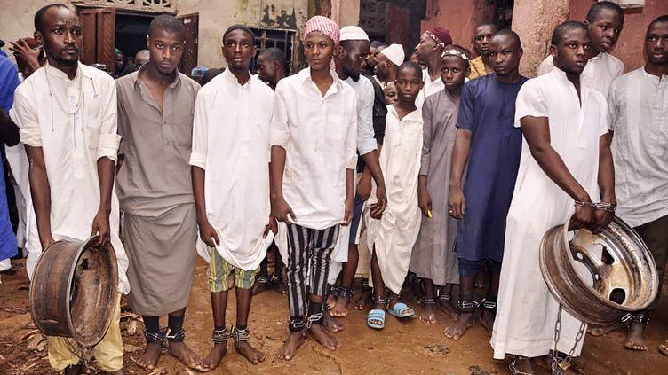 Quelques uns des 300 étudiants libérés de l'école coranique de Kaduna, au Nigeria, le 26 septembre 2019. (- / AFP)