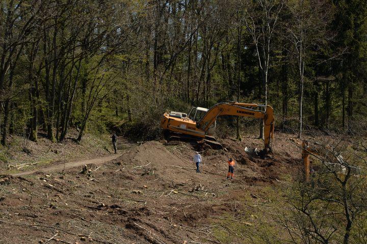 Les fouilles reprennent dans les Ardennes, le 26 avril 2021, dans l'espoir de retrouver le corps d'Estelle Mouzin. (MAXPPP)