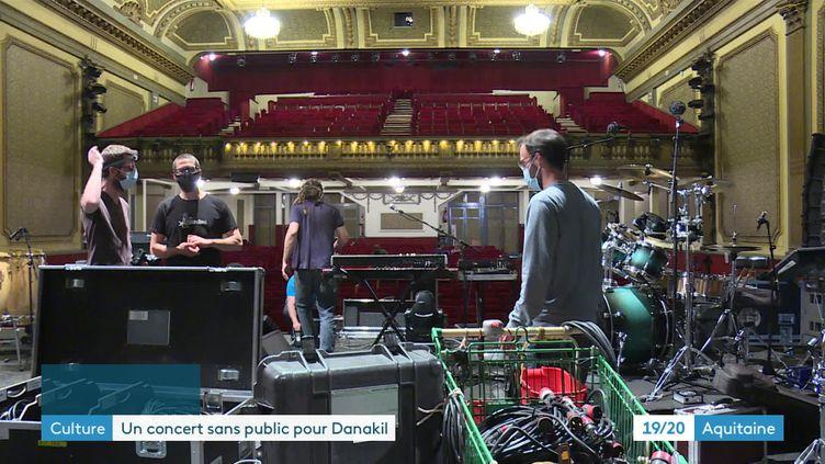 Le groupe Danakil finalise les préparatifs de son concert en live stream le 12 mai 2021 (France 3 Aquitaine)