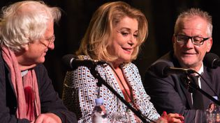 Catherine Deneuve entre Bertrand Tavernier (à gauche) et Thierry Frémaux  (Jean-François Lixon)