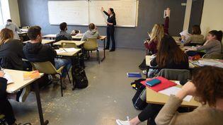 Des lycéens en cours à Bordeaux, en mars 2017. (Illustration). (MEHDI FEDOUACH / AFP)