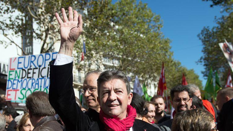 Jean-Luc Mélenchon se prépare à la manifestation contre l'austérité, organisée le 30 septembre 2012 à Paris. (BERTRAND LANGLOIS / AFP)