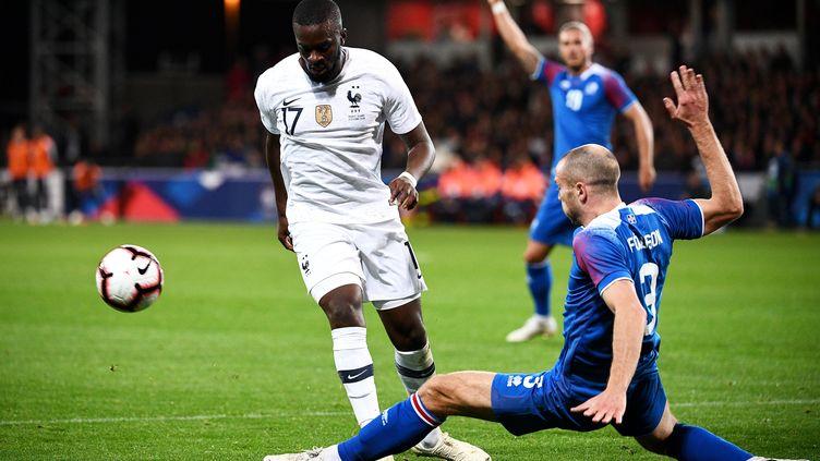 Tanguy Ndombele lors du match France-Islande, le 11 octobre 2018 à Guingamp (Côtes-d'Armor). (FRANCK FIFE / AFP)