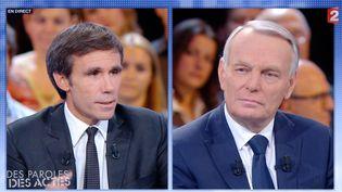 """Jean-Marc Ayrault (D), interrogé par David Pujadas, le 27 septembre 2012 lors de l'émission """"Des paroles et des actes"""" sur France 2. (FRANCE 2)"""