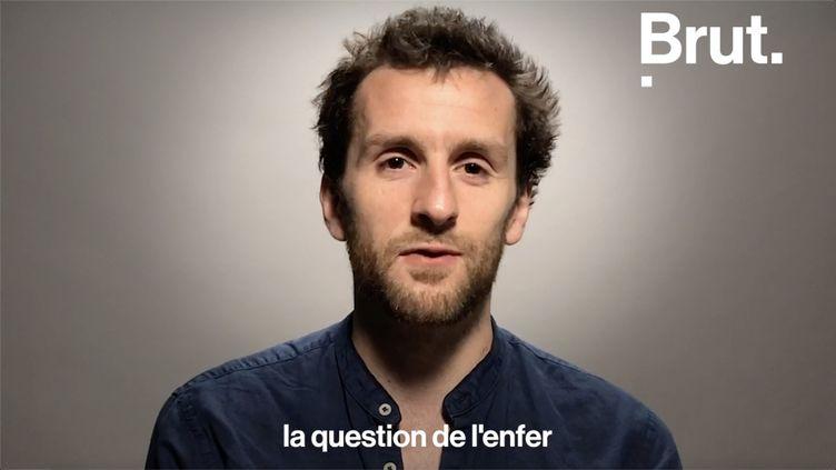 Chroniqueur à la télévision et à la radio, Pablo Mira est agacé par ces questions qui reviennent sans cesse. Il a décidé de les commenter. (BRUT)