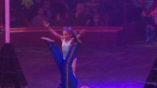 L'école du cirque Arlette Gruss est une école pas comme les autres. Itinérante, elle accompagne les petits artistes, de la maternelle à la primaire. (France 2)