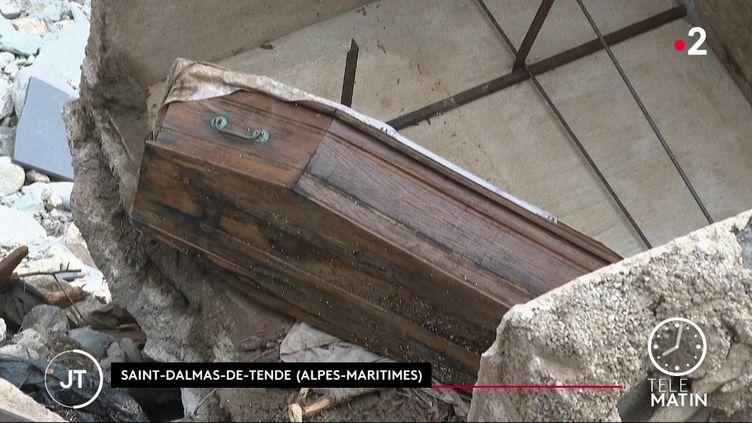 Un cimetière détruit à Saint-Dalmas-de-Tende (Alpes-Maritimes) (France 2)