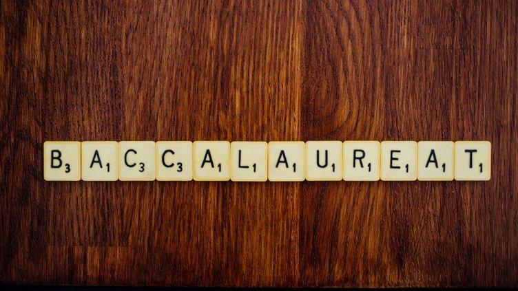 """Le mot """"baccalauréat"""" formé avec les lettres du """"Scrabble, le 7 juillet 2020, à Paris. (MATHIEU MENARD / HANS LUCAS)"""
