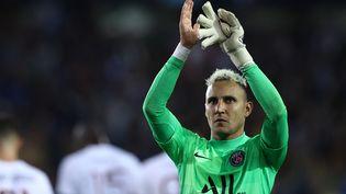 Keylor Navas à la fin du match entre le Bruges et le Paris Saint-Germain, le 15 septembre 2021. (KENZO TRIBOUILLARD / AFP)