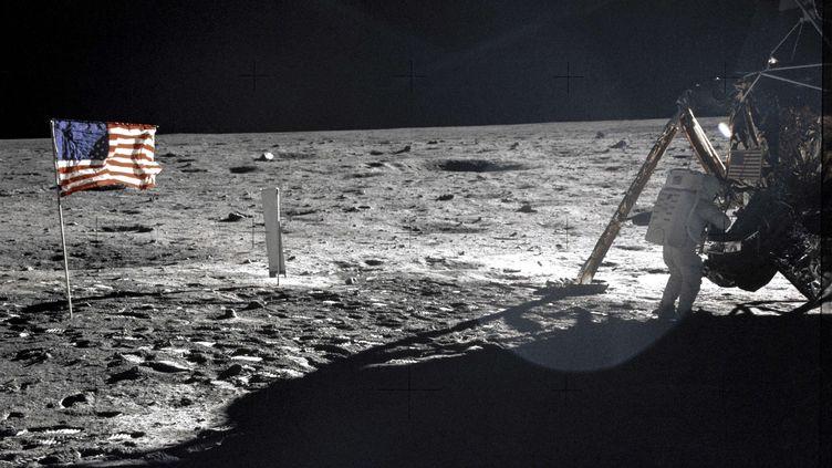 L'astonaute Neil A. Armstrong lors de l'expédition Apollo 11 sur la lune, le 20 juillet 1969. (SIPANY/SIPA / SIPA USA)