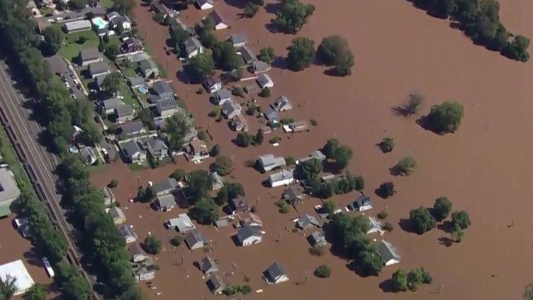 États-Unis : la tempête Ida a ravagé une partie du pays. (FRANCEINFO)