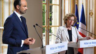 Edouard Philippe et Muriel Pénicaud présentent le contenu des ordonnances réformant le Code du travail, à Matignon, le 31 août 2017. (ALAIN JOCARD / AFP)