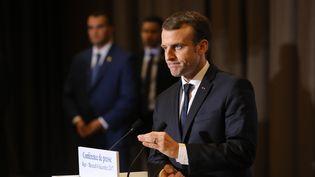 Emmanuel Macron lors d'une conférence de presse à Alger (Algérie), le 6 décembre 2017. (LUDOVIC MARIN / AFP)