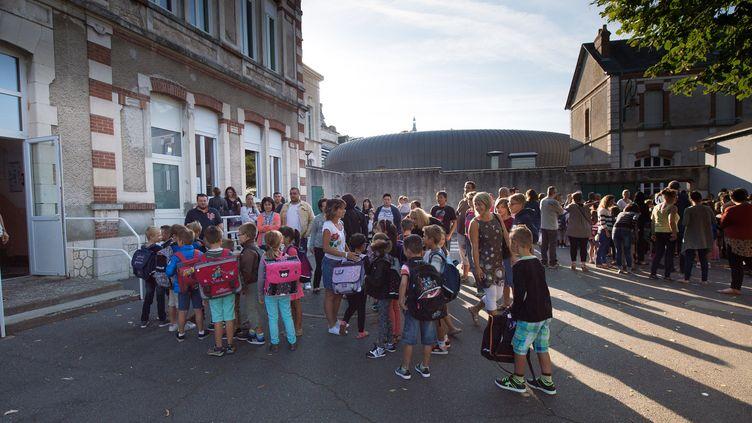 Le jour de la rentrée à Gien (Loiret), le 1er septembre 2015. (ROMAIN BEAUMONT/SIPA)