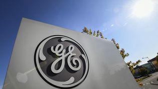 Le logo de General Electric sur le site de Belfort, le 17 septembre 2019. (SEBASTIEN BOZON / AFP)