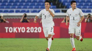 La joie des Japonais lors du match face à la France mercredi 28 juillet. (MARIKO ISHIZUKA / AFP)