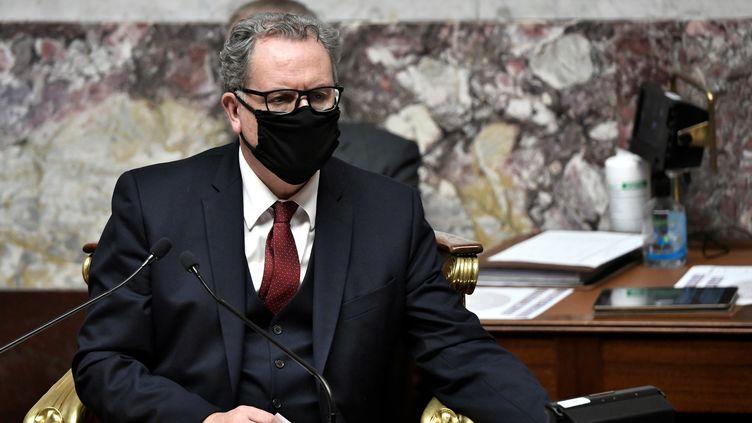 """Le président LREM de l'Assemblée nationale, Richard Ferrand, le 3 novembre 2020 au """"perchoir"""". (STEPHANE DE SAKUTIN / AFP)"""
