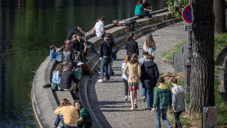 Le canal Saint-Martin à Paris, le 2 mai 2020. (FRED DUGIT / MAXPPP)