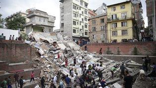 Ce puissant séisme a fait plus de cent morts, selon le premier bilan communiqué par les autorités népalaises,et provoqué d'importantes destructions. (NARENDRA SHRESTHA / MAXPPP)