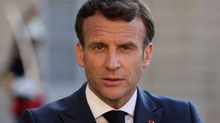Emmanuel Macron reçoit le Premier ministre de Macédoine du Nord pour un dîner à l'Elysée à Paris (10 juin 2021). (THOMAS COEX / AFP)